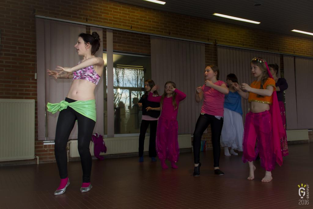 NL-1150-Noemie danse